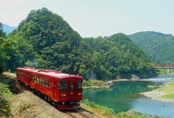 ①観光列車.jpg